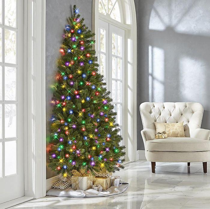 Megérkezett a karácsonyfélfa